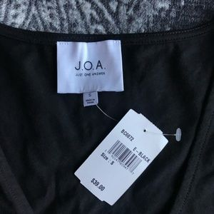 J.O.A. Tops - J.O.A. Black Twisted Front Sleeveless Crop Top S